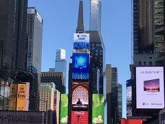 NY5日目。最終日。  最終日にしてやっと晴れました!!   この日は最後の見納めに、まずはタイムズスクエアに。