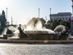 ホテルから徒歩でバルベリーニ宮殿古典絵画館へ向かいます。 途中で、幾つかの教会に立ち寄りました。 ホテル<ナイアディの泉 Fontana delle Naiadi<共和国広場 Piazza della Repubblica