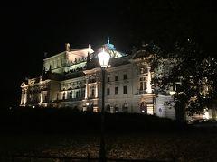 (19:24) 通りすがりに・・お城?!  <ユリウシュ・スウォヴァツキ劇場>  パリのオペラ座などヨーロッパ最高のバロック様式の劇場をモデルに1893年に建てられ、その名はポーランドの詩人・劇作家ユリウシュ・スウォヴァツキにちなんで名付けられた。お城のように美しい建物で、現在でもコンサートやオペラを鑑賞できるそうです。