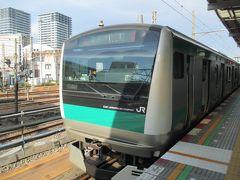 伊勢原駅から小田急線で海老名駅へ。そして、海老名駅から相鉄線に乗ろうとしたとき、反対側のホームに、まさに相鉄・JR直通電車が停まっていました。