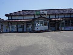●JR三条駅  JR三条駅に到着です。 1898年開業の三条駅。 味のある駅舎ですね。