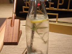 16:00頃 グランディスタイル 沖縄 読谷 ホテル&リゾートにチェックイン ウェルカムドリンク