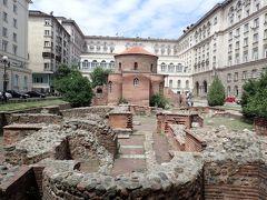 ソフィア市内で現存する最古の建物だそうです。 これだけ古い物をきちんと現存させている街、ソフィア。素晴らしいです。
