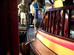 歩いて直ぐのリバークルーズ船乗り場に行き乗船。