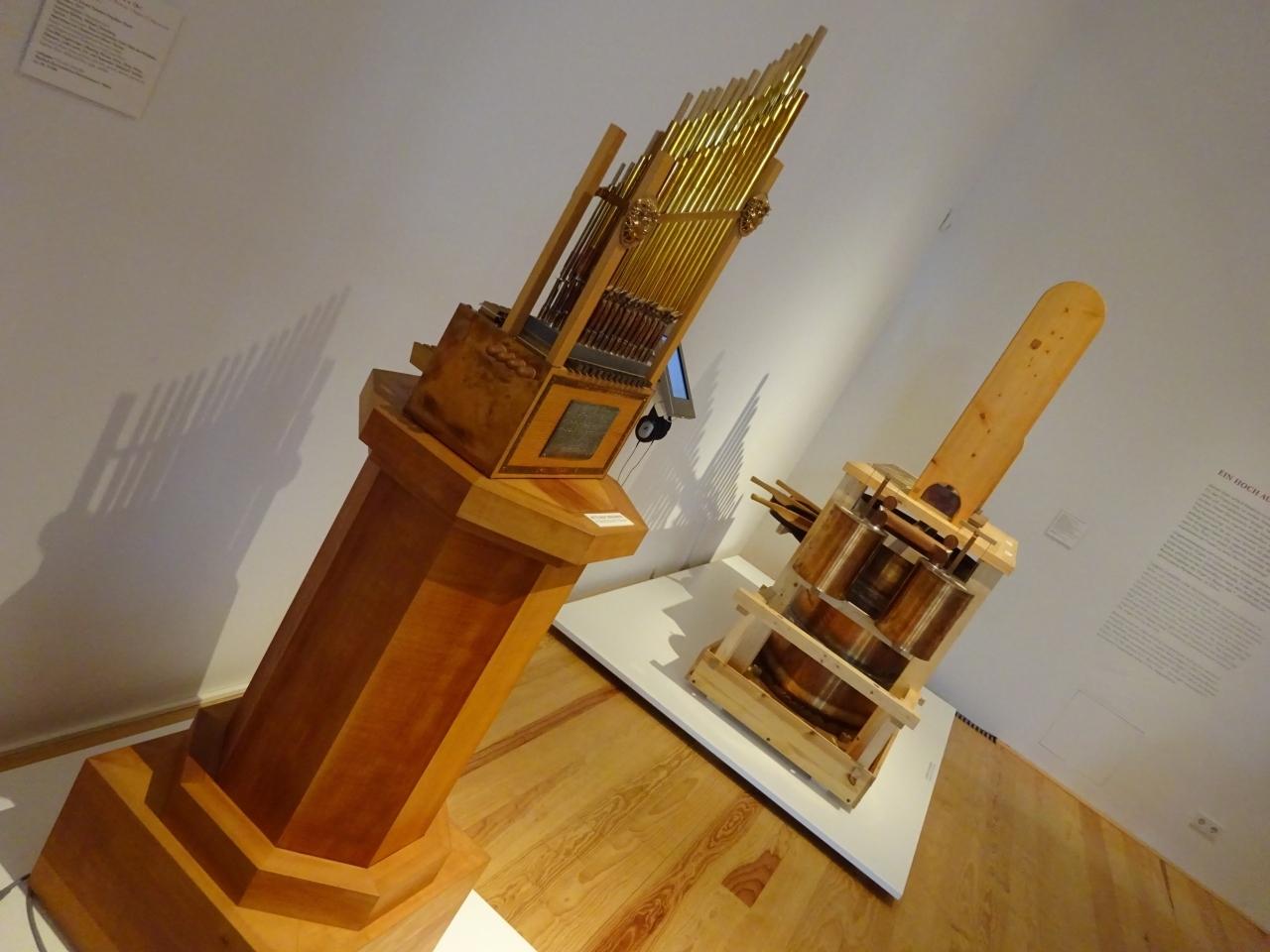 美術工芸博物館  楽器のコレクションが豊富