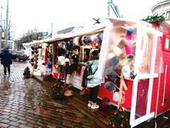 マーケット広場のクリスマスマーケット  それでもクリスマスの雰囲気を味わう事ができました。