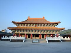 論語で日本人にもお馴染みの孔子先生。孔子を祀った孔子廟も、あちこちにあります。