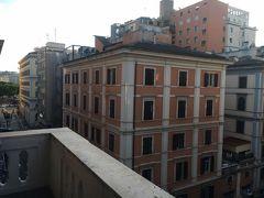 キャセイパシフィック航空で行くイタリア新婚旅行①出発~到着inローマ編 https://ssl.4travel.jp/tcs/t/editalbum/edit/11573594/ の続きです。  イタリアローマ2日目の朝です♪ホテル「ベスト ウエスタン ホテル プラス ウニヴェルソ」の角部屋もすごく眺めいいです。
