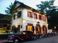 ルアンパバーンの街でも有名なかわいい建物★ 3ナガスホテルです~ 1階と向いはカフェ&レストランバーにもなってて、かなりステキな雰囲気です^^