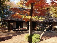 こちらは八王子千人同心組頭の家。 武士の名残がある建物の構造とのこと。 江戸時代後期のもの。