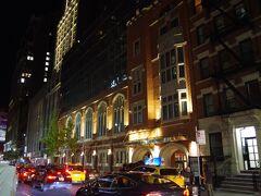 取り急ぎペンステーションから歩いて5分の今宵の宿、フェアフィールド イン&スイーツ タイムズスクエアに到着。
