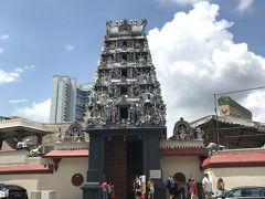 分けわからずチャイナタウン方向へ歩いて移動。暑くて溶けそうでした。 スリ・マリアマン寺院