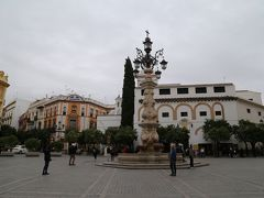 大聖堂前の広場。