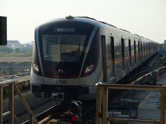 虹橋火車駅で17号線に乗り換えて朱家角へ。 まだ開通して間もないので、車両もピカピカですね