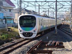 西武新宿駅からやってきました。まずはホーム所沢寄りで乗ってきた電車を・・・ まあ、この辺はめったに来るところではなので・・・何もかもが新鮮・・・