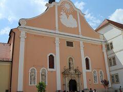 ヴァラジュディン大聖堂 色合いがすばらしい!