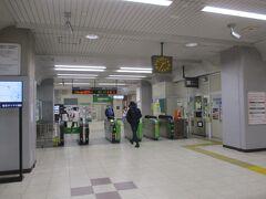 マラソン当日 朝7:15頃 JR埼京線・北与野駅に到着。まだ駅は、混んでいません。多分、JRさいたま新都心駅の方が、混んでいると思い、こちらの駅に回避しました。