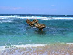 そしてこれが沖縄版アダムとイブの伝説が残る古宇利島の人気スポット「ハートロック」です!