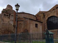 11月5日  ディオクレティアヌス帝の浴場跡を通り