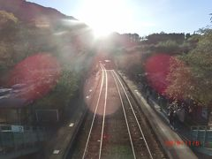 赤城山の2つの赤城神社にお参りして、わたらせ渓谷鉄道が走っている 神戸駅にきました。 ホームには自由に入れました。