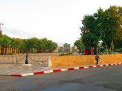 で視界が広がった所が王宮。 現在はモロッコ国王がフェズに滞在する時のみ使用されているとか。