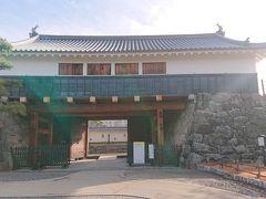 内堀の東側にある太鼓門