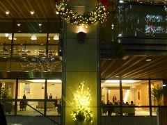 ホテル日航福岡のクリスマスリースとイルミネーション