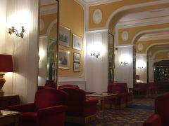 11月28日 ローマのホテルのロビー