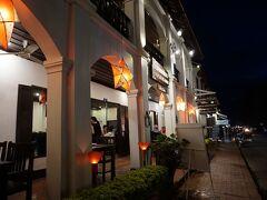 【1日目・夕食】 ◎Tamnaklao Restaurant  1F、2Fともにオープンエアのお店。 夜は涼しいので大丈夫でした。