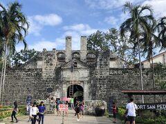 「サンペドロ要塞」へも歩いて行けます。入場料必要。