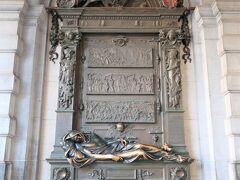 La Statue d'Everard't Serclaes.(セルクラースの像)  像の左手にふれると幸運になれる…今回もなでなでしておきました。