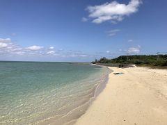 すぐ近くにあるビーチ。ここは前回も来ました。真っ白な砂に青い海。天気も良くて、最高の景色です。