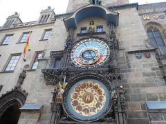 旧市街広場に戻る。旧市庁舎の天文時計。仕掛け時計は「ちょこっとチェコその1」で紹介している。
