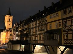 Krämerbrücke(クレーマー橋)  夜に来る所ではありませんが、観光スポットなので気になって来てみました。