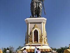 アヌウォン王像。ラオスに昔あったビエンチャン王国の王様だそうです。