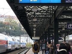 チェスキークルムロフへはガイドブックなどではバスを勧めているが、鉄道もバスも所要時間は変わらないので、往路は鉄道、復路はバスにした。