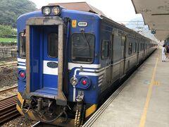 約1時間の乗車で目的地ホウトン駅に到着。 日本人を含め多くの観光客はホウトンの手前の駅で乗り換えで降りてしまったため、 この駅で降りたのは自分を含め20人ぐらいでした。