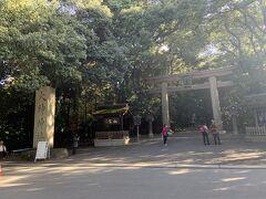 大神神社の参道に到着しました。