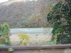 途中最上川と並行して進みました♪ 舟下りしている様子も見えた^^ 最上川ってよく聞く名前の川だから見れて嬉しかったです☆  お次は、今旅メインの銀山温泉編です☆