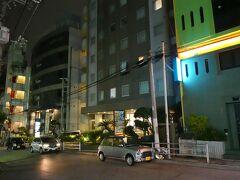 今日のお宿はロコイン松山 沖縄の歌舞伎町とも呼ばれれる繁華街・松山にあるビジネスホテルです LINEトラベル経由のブッキングドットコムでポイント15%とお得でした
