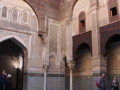 Al-Attarine Madrasaにやって来ました。  入場料は20ディルハム。