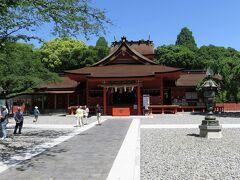 ① 富士山本宮浅間大社  青空に御社殿が映えます