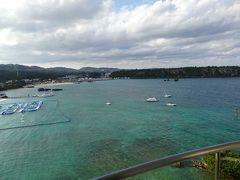2日目の朝も良いお天気。ベランダから見る景色が素晴らしい!  ANAインターコンチネンタル万座ビーチリゾート https://4travel.jp/dm_hotel_tips_each-13863863.html
