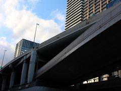 午後4時頃~所用を早めに切り上げ、大阪 御堂筋を北に向いて歩きます・・