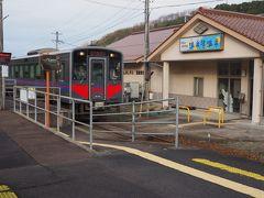 温泉津で列車交換。