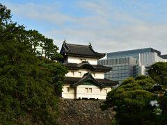 江戸城富士見櫓 大天守焼失後、これが天守代用となったとか。 この位置からは普通観れない。