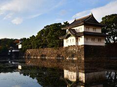 江戸城桔梗門、巽櫓 大嘗宮公開中は一方通行になっていて、ここから大手門方面には行けない様になっていた。