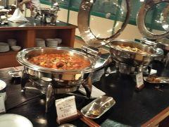 沖縄食材を使った洋食もあり、かなり沢山の種類があります。 いろいろ美味しかったです♪