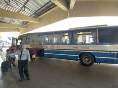結局丁度3時間かかってカンナチャブリのバスターミナルに到着。