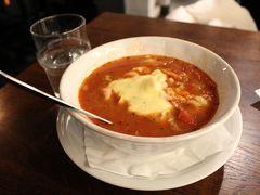 ランチは、Kajsas fiskのスープ。